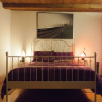 camera-viola-casale-del-sole-garda-b&b-3